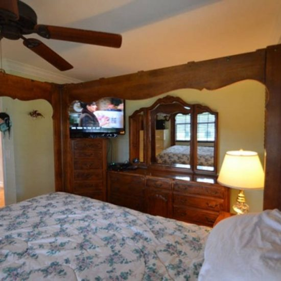 CSE Properties - An Egret Named Eddie Bedroom