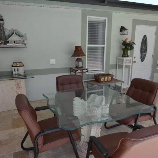 CSE Properties - Crystal Palms Outdoor Dining Area