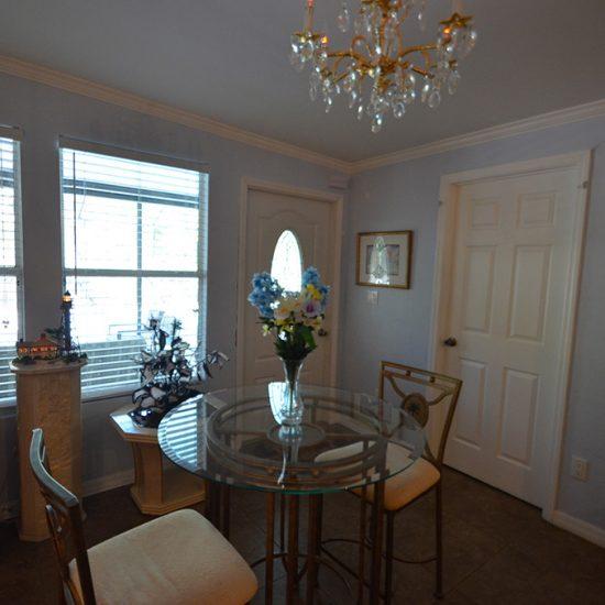 CSE Properties - Crystal Palms Kitchen Dining Area