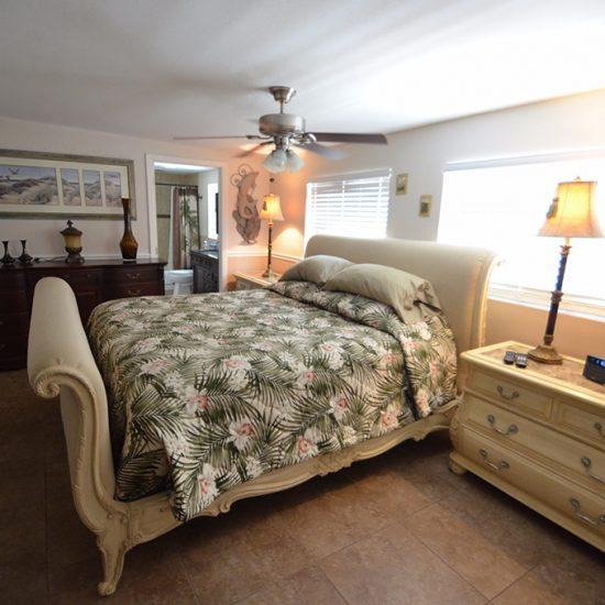 CSE Properties - Crystal Palms Bedroom 1