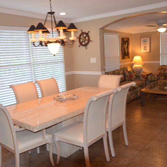 CSE Properties - Crystal Palms Dining Area