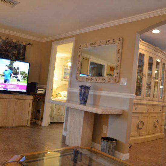 CSE Properties - Crystal Palms Living Room