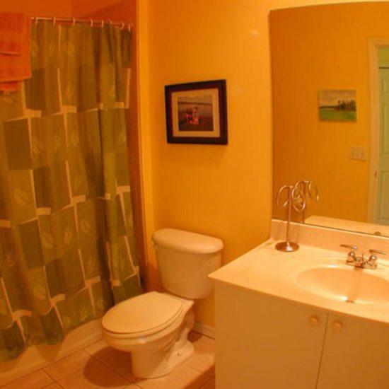 Easy Getaway Bathroom 1 | CSE Properties, Naples, FL