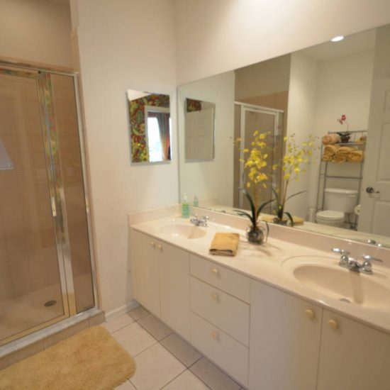 Easy Getaway Dual Bathroom | CSE Properties, Naples, FL