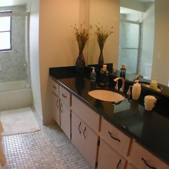 CSE Properties - Living In Paradise Bathroom