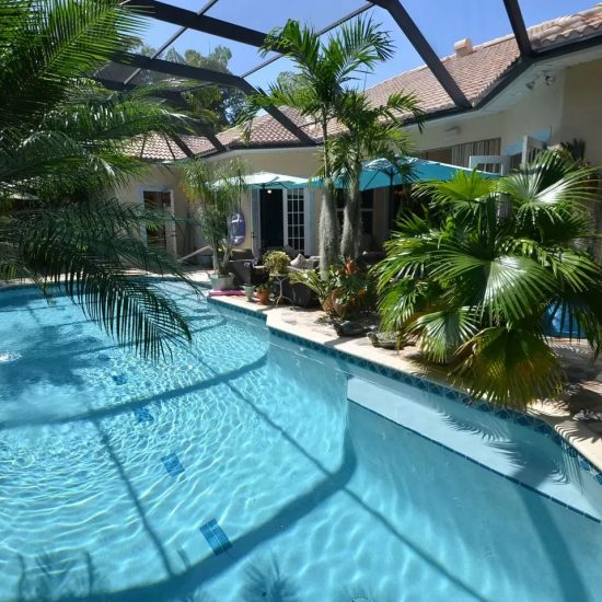 CSE Properties - Natalya's Tropical Estate Paradise Pool