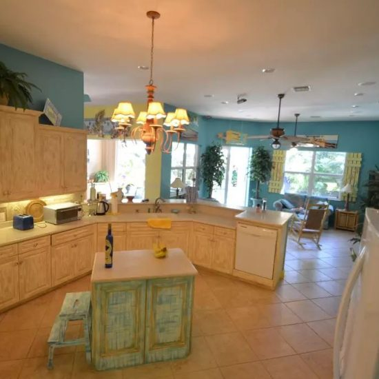 CSE Properties - Natalya's Tropical Estate Paradise Kitchen
