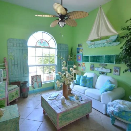 CSE Properties - Natalya's Tropical Estate Paradise Family Room