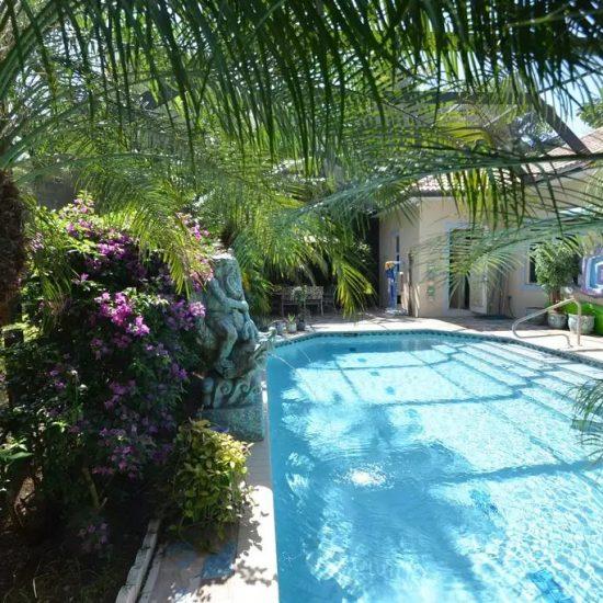CSE Properties - Natalya's Tropical Estate Paradise Pool