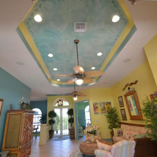 CSE Properties - Natalya's Tropical Estate Paradise Living Room