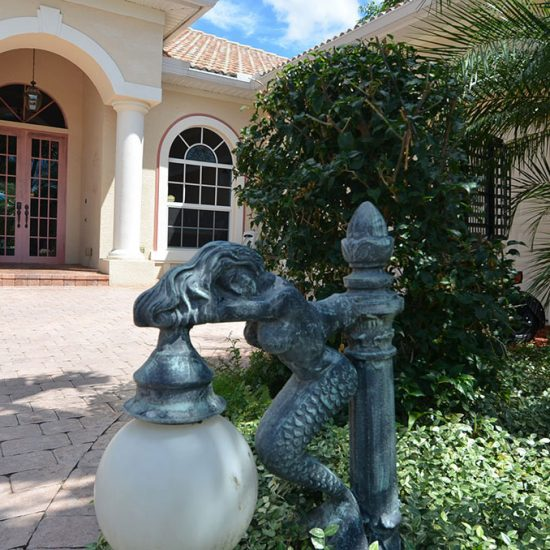 CSE Properties - Natalya's Tropical Estate Paradise Driveway Lighting