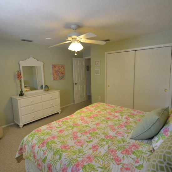 CSE Properties – Sarasota Beach Getaway Guest Bedroom with King Bed