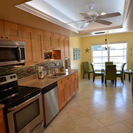 CSE Properties – Sarasota Beach Getaway Kitchen