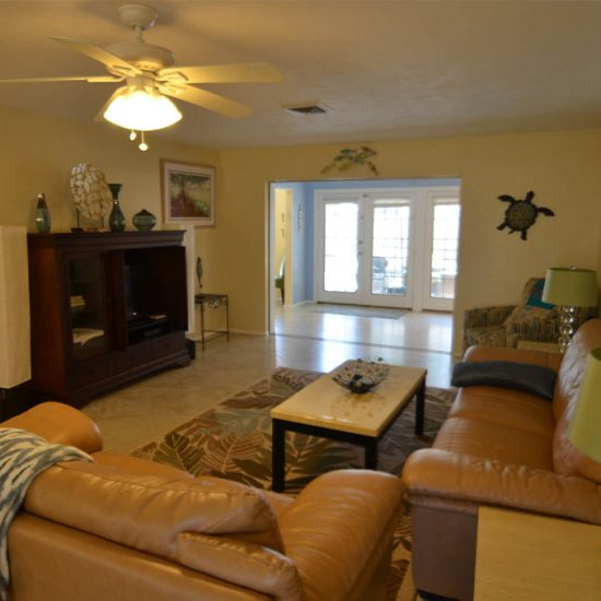 CSE Properties – Sarasota Beach Getaway Living Room with Flat Screen TV
