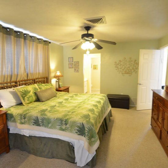 CSE Properties – Sarasota Beach Getaway Master Bedroom with Private Bathroom