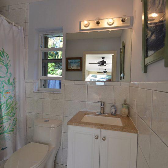 CSE Properties - Vanderbilt Vacation Villa Bathroom 3