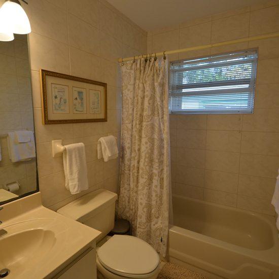 CSE Properties - Vanderbilt Vacation Villa Bathroom 1