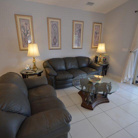 CSE Properties - Vanderbilt Vacation Villa Living Room Seating