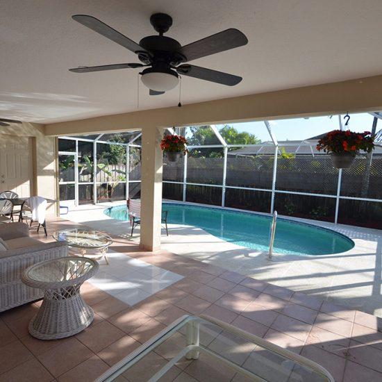 CSE Properties - Vanderbilt Vacation Villa Screened Lanai Pool